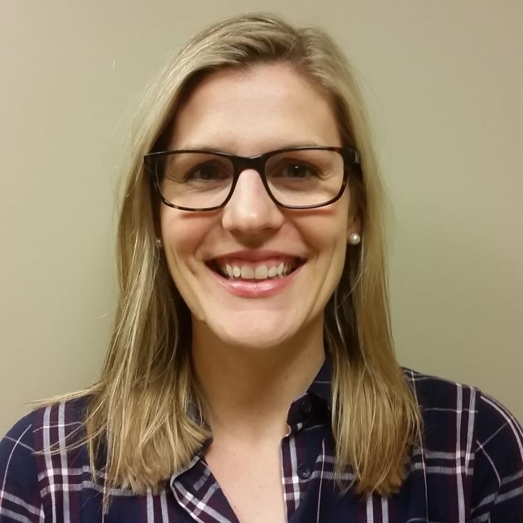 Dr.   Lindsay Ritsma